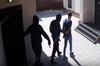 Криминальный 2018-й в Татарстане: проворовавшиеся чиновники, «банды почтовиков», герой с ножом и воспитательница-душительница