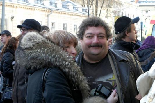 Дмитрий Быков на открытии Дома-музея Василия Аксенова в Казани в 2009 году