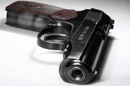 Пистолет Макарова против сапожного ножа