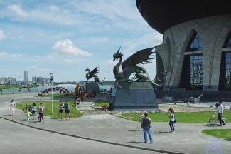 Антимонопольщики проснулись: тендер на установку скульптур Намдакова у казанской «Чаши» приостановлен