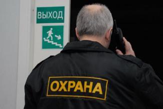 «Как сели родителям на шею, так и не слезаем»: директора казанских школ ждут, когда власти найдут деньги на охрану