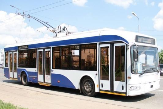 Есть возможность послать троллейбус куда захочешь!