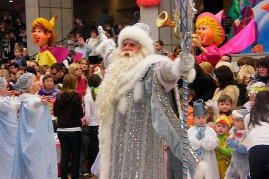 Чтобы сберечь бороду,  Деду Морозу пришлось гавкать