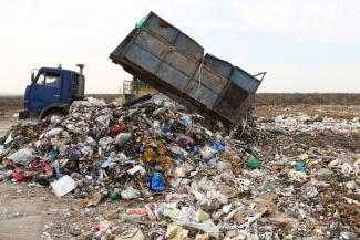 «Спасибо за хлеб, за мясо, но мусора в Казани своего достаточно»: Ильсур Метшин просит призвать к порядку глав соседних районов