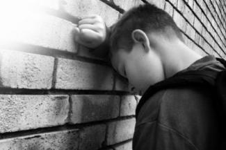Сдали нервы у детей: школьники в Татарстане занялись членовредительством
