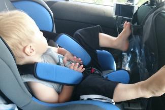 Маленьких казанцев не пускают в междугородние автобусы без детских кресел