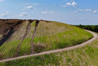 Весь покрытый зеленью, абсолютно весь: на бывшей Самосыровской свалке обустраивают место отдыха для казанцев