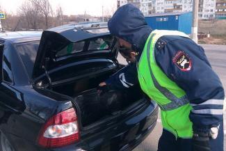 Без причины не заглядывай: в Казани автомобилист засудил гаишника, осмотревшего его багажник
