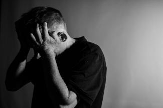 «Надеялся, что разбогатеет, а когда прозрел, случилось страшное»: жительница Казани требует наказать людей, из-за которых ее отец увяз в миллионных кредитах и покончил с собой