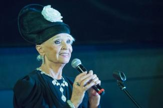 Светлана Светличная - зрителям в Казани: «За мной гонялись все мужчины - и молодые, и пожилые»