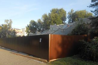 Лестницу у Ленинского сада закрыли на ремонт