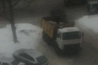 В центре Казани кавказцы порезали водителя снегоуборочной машины