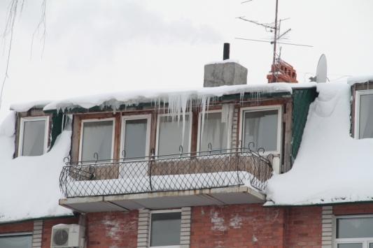 Проверили толщину снега на крышах