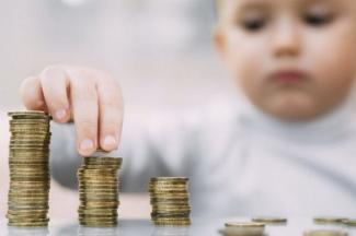 «Нашли на ком экономить - на нищих!»: в Казани матери 4-летнего ребенка отказали в выплате детского пособия из-за отсутствия доходов
