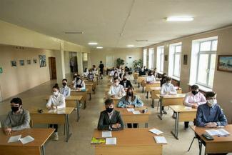 Казанских выпускников на ЕГЭ не будут пытать масками и перчатками, но температурящих могут не пустить на экзамены