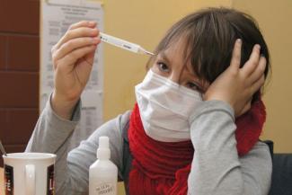 Грипп не коронавирус?.. В Казани в эпидемию решили обойтись без карантина