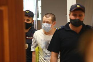 В Казани у экс-начальника отдела полиции, обвиняемого в крышевании, арестовали «Мерседес», нажитый «преступным путем»