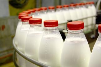 Фермеры в Татарстане плачут от закупочных цен на молоко, а покупатели — от розничных