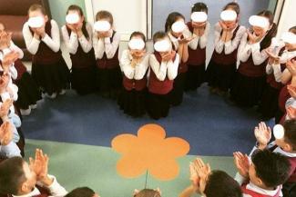Рабы любви из 3 «А»: в Татарстане детей поставили на колени ради высоких чувств