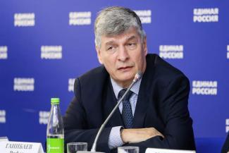 «Посадив за решетку, его пытаются убить»: в Татарстане инвалиды спасают из СИЗО своего председателя, заподозренного в махинациях с памперсами