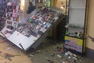 Погром ТЦ «Алтын» в Казани: крушить витрины преступники приехали на «Инфинити» и «Мерседесах»