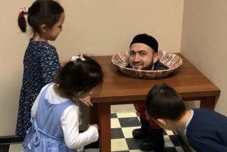 Шутка удалась: голова муфтия Татарстана на блюде взорвала соцсети