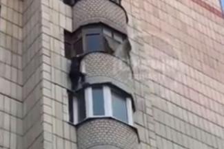 В Казани мать двоих детей погибла, спускаясь с балкона 7-го этажа за бутылкой