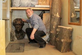 Следком велел казанскому скульптору спрятать бюст Такташа и никому не показывать