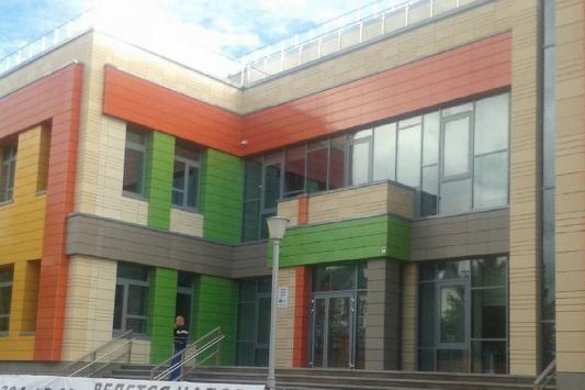 VIP-школу на Федосеевской откроют без шума