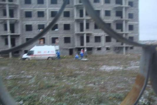 В Бавлах 11-летняя школьница упала с пятого этажа долгостроя