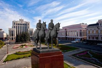 Шаймиев с Миннихановым на лошадях подвинут Ильича?