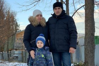 «Будем биться до последнего!»: в Татарстане у многодетной семьи с подачи бдительных соседей отбирают бесплатную землю