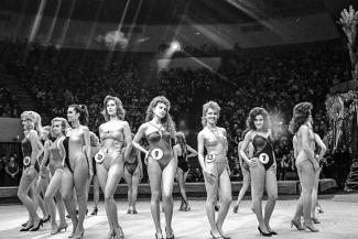 «Мы поставили на уши все Поволжье!..»: на первом конкурсе красоты в Казани сидели рядом партийные боссы и лидеры ОПГ