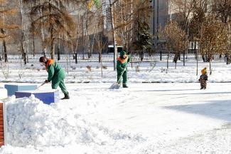 Зима подкралась незаметно: казанцы требуют очистить от снега тротуары