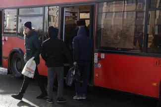 «Будет коллапс, пострадают простые люди»: в конфликте пассажирских перевозчиков и страховщиков крайними останутся казанцы?