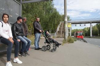 «Позорный суд»: отец мальчика-инвалида требует у властей Казани дать возможность сыну попасть на другую сторону улицы