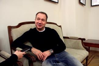 Виктор Рыжаков: «Театр похож на спорт: нужно находиться в постоянном тренинге»