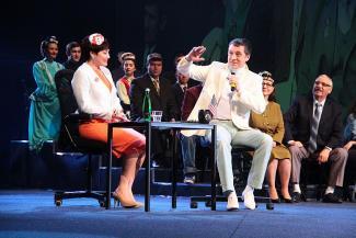 В новом спектакле Камаловского на татарском говорят американцы и француженка