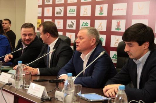 Болельщики «Рубина» встретят «Ливерпуль» шаляпинской «Дубинушкой»