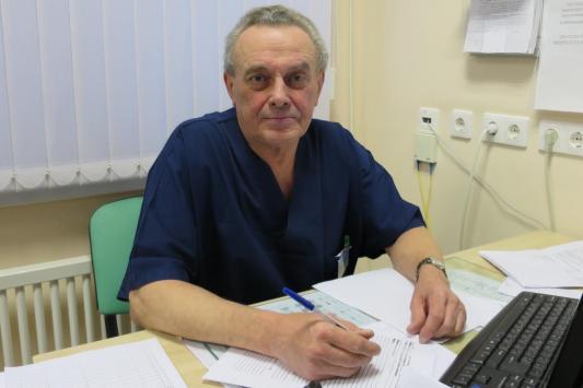 Лучший детский хирург России: «Ребенок выпал из окна, а родители даже не заметили»