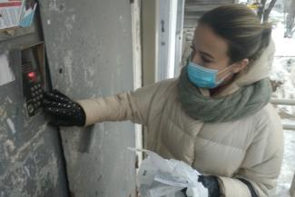 «Вчера было 15 адресов, а сегодня 46!»: добровольцы по доставке бесплатных лекарств больным ковидом в Казани сбиваются с ног