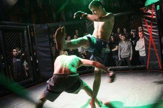 «Парни не плачут»: казанский бойцовский клуб «Стрелка» переехал на улицу Баумана