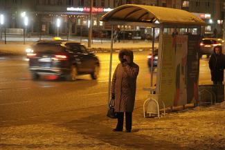 Дело было вечером, уехать было не на чем: казанцы коченеют на остановках в ожидании «краснобусов»