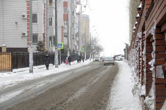 Дураки победили дорогу: на казанской улице пешеходам указали путь в никуда