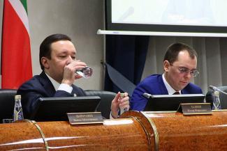Ильдар Халиков на совещании «госалкогольки»: «Водку пить вредно»