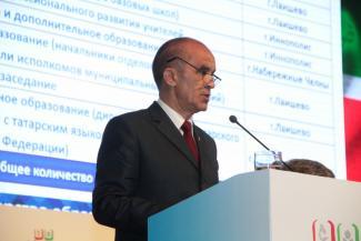 Энгель Фаттахов: Мы избавляемся от случайных людей в образовании