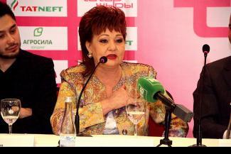 Хание Фархи закажут брошку «Алтын барс» вместо украденной
