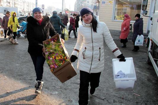 Казанцы на 8 Марта выбирают тюльпаны