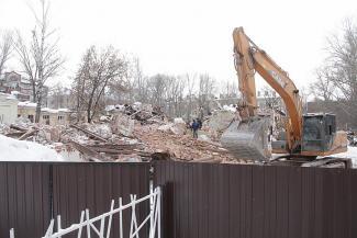 Мы старый мир разрушим: в центре Казани разгромили очередной исторический дом