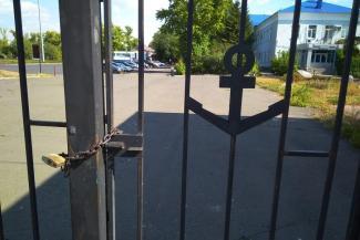 Не на ту напали: хозяйка гриль-бара в казанском речпорту не сдается Татфлоту